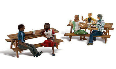 Woodland Scenics A2214 N Scale Outdoor Dining Nisb