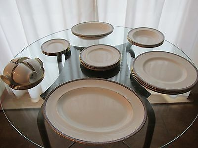 Palatia Wedgwood dinner set