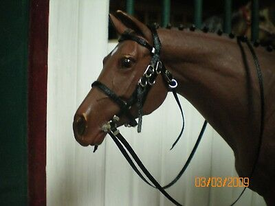 Jaapi BLACK English BRIDLE w/red brow - fits Breyer Classic sized model horse CM