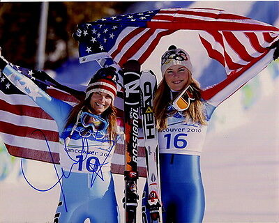 JULIA MANCUSO HAND SIGNED 8x10 COLOR PHOTO+COA      GREAT POSE WITH LINDSEY VONN