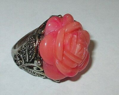 MOLDED ROSE vintage cocktail ring LUCITE FLOWER sz 7.5 pretty