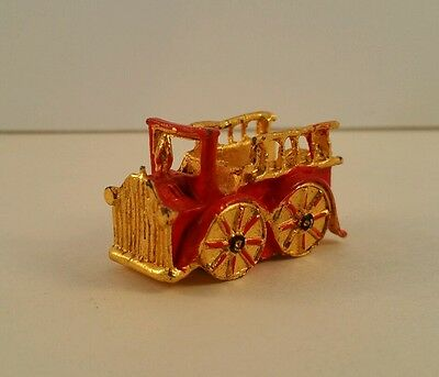 Painted Pewter Fire Truck Thimble SHD 1985 Gold & Red