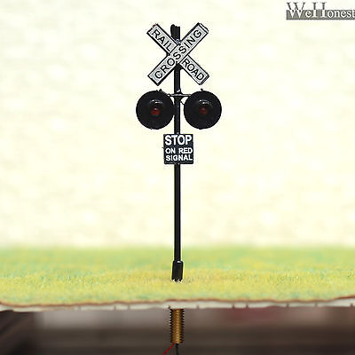 2 x OO or HO Scale Railroad Crossing Signals LEDs made + 2 Circuit board flasher