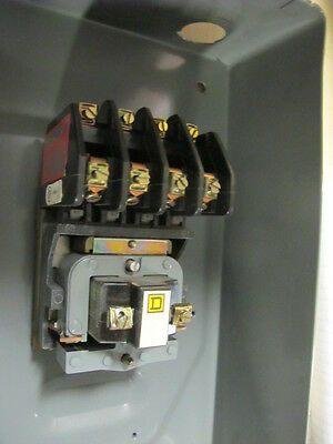 Square D SPO11 60 AMP 3 POLE Mechanically Held Lighting Contactor