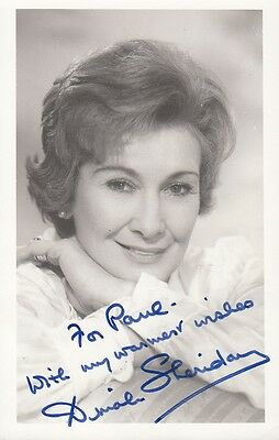 "DINAH SHERIDAN - PERSONALLY SIGNED 3.5"" x 5.5"" Photograph DEDICATED TO PAUL"