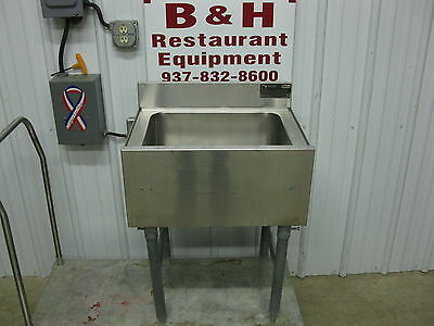 """Eagle 24"""" Stainless Steel Insulated Under Bar Ice Box Well 2'"""