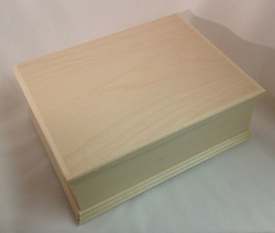 Large pine wood detailed storage box DD312 completed with hinged lid
