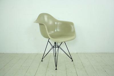 VINTAGE EAMES HERMAN MILLER DAR CHAIR ORIGINAL EIFFEL BASE LIGHT GREIGE #1519e