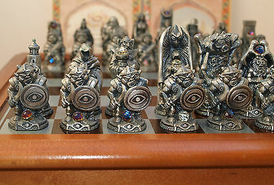 Danbury Mint Lord of the Rings Chess Set 1993