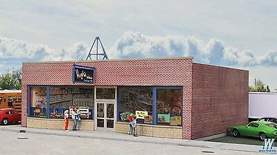 3475  Walthers Cornerstone Hobby Shop HO Scale Kit