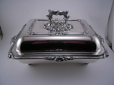 Fine Antique Sheffield Silverplate Covered Dish Entree / Buffet Server
