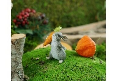 Miniature Dollhouse FAIRY GARDEN - Rabbit Holding Carrot - Accessories