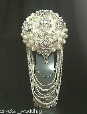 Brooch  wedding bouquet  Drape pearl and Diamante sparkling Rhinestones