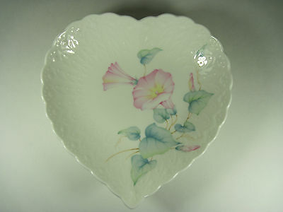Mikasa Morning Glory Heart Dish Excellent Condition