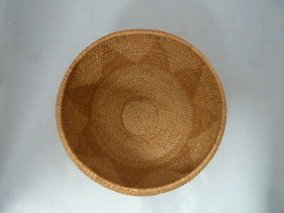 "Native American Weave Small Basket Bowl. Very Nice Design. Approx 4"" T & 7"" D"