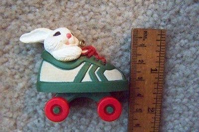 Hallmark Keepsake Roller Skating Christmas Bunny Ornament Free Shipping