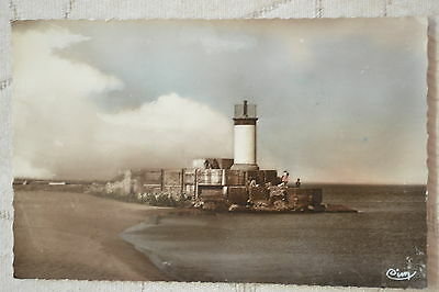 """CPSM """" VALRAS-PLAGE - Le Phare"""