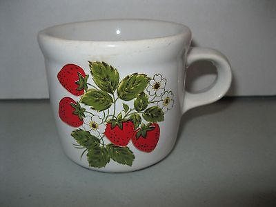 McCOY POTTERY ~286 COUNTRY STRAWBERRY COFFEE CUP MUG (prev owned)