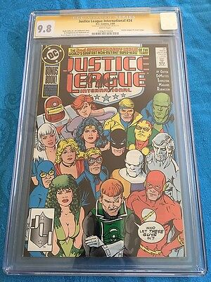 Justice League International #24 - DC - CGC SS 9.8 - Signed by Kevin Maguire
