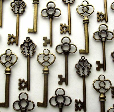 Large Skeleton Keys Antique Bronze Old Look Vintage Wedding Decor Set of 30 Keys