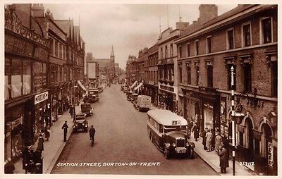 Staffs - BURTON ON TRENT, Bus in Station Street  - Real Photo