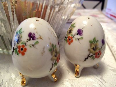 Enesco Footed  Egg Shaped Salt & Pepper Shakers Set Easter Flowers
