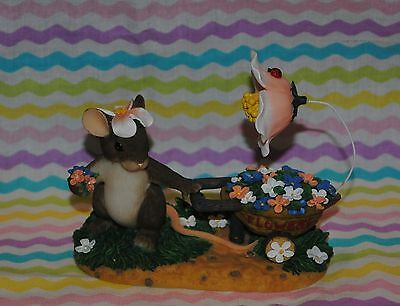 "Charming Tails ""flowers For A Friend"" Mouse Spring Easter Special Edition Htf"