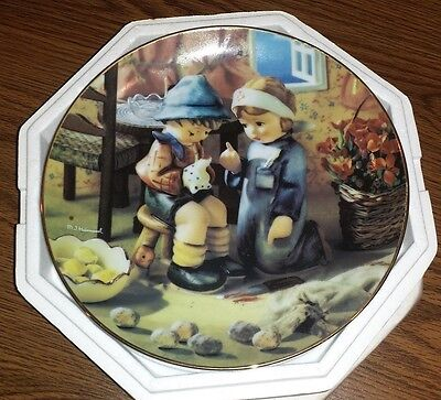 "MJ Hummel Danbury Mint Collector plate ""Tender Loving Care"" Little Companions"