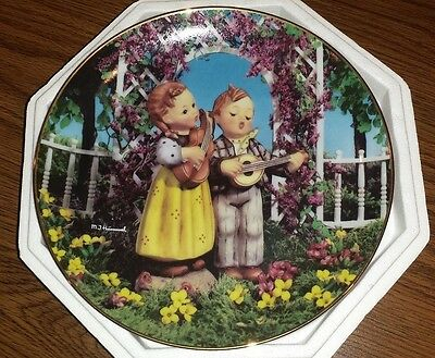 "MJ Hummel Danbury Mint Collector plate ""Little Musicians"" Little Companions"