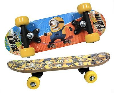 Kid's Official Despicable Me Minions Satchel 43cm kick tail Skateboard