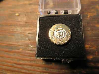 UPS United Parcel Service gold plate 8 Year Safe Driving Award Pin  with case