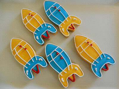 ROCKET  COOKIE CUTTER  4 in • AUD 3.50