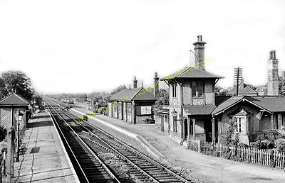 Arksey Railway Station Photo. Doncaster to Moss, Blane and Heck Line. GNR. (4)