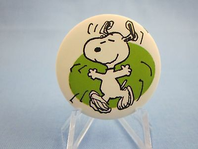 """ HAPPY SNOOPY DANCING WITH JOY Button ""  ( PEANUTS PINBACK ) Charlie Brown Pin"
