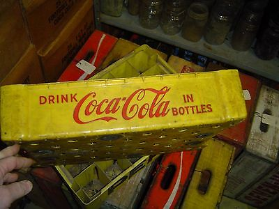 Very Rare Drink Coca Cola in bottles Union Carbide Plastic carrier crate #27