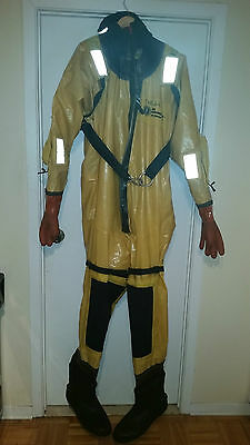 Mustang Ice Commander IC9000 Rescue immersion suit