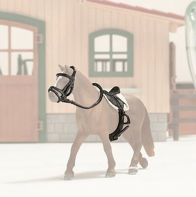 Schleich 42123 Show Jumping Saddle and Bridle Accessories for Toy Horse - NIB