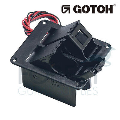 Gotoh BB04W screwed Battery box for 2 x 9V batteries, with mounting screws