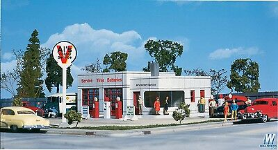 3072 Walthers Al's Victory Service Station HO Scale