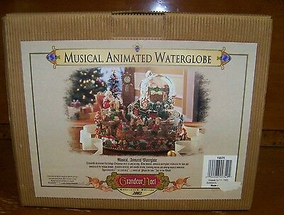 Grandeur Noel 2002 Collector's Edition Christmas Musical, Animated Waterglobe