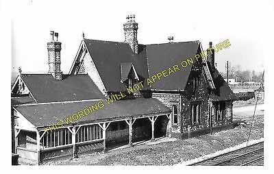 Alrewas Railway Station Photo 2 Barton /& Walton Burton-on-Trent Lichfield