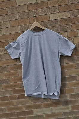 Canadian Army Forces Original Training T-Shirt Size Medium in Grey Color