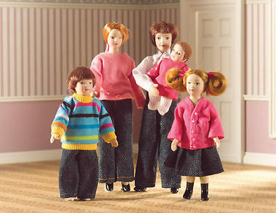 The Dolls House Emporium Set of 5 Porcelain Dolls Clothed 1:12th Scale. 6537