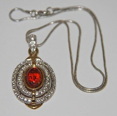 COL126 VINTAGE PENDANT WITH CHAIN. AMBER, CRYSTAL AND GOLDEN METAL. SPAIN. 80s