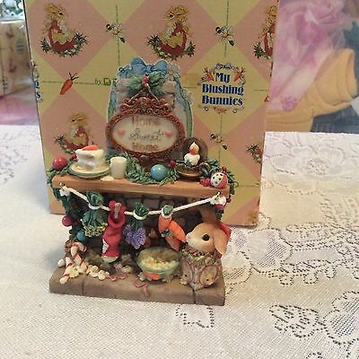 Nib Blushing Bunnies Country Sentiments Bunny In Fireplace Figurine 468711