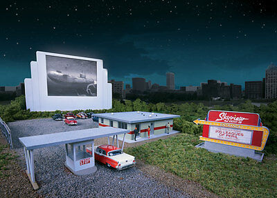 3478 Walthers Cornerstone Skyview Drive-In Movie Theater kit HO Scale
