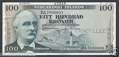 Iceland 100 Krónur 29-3-1961 . P44s Specimen Perforated About Uncirculated