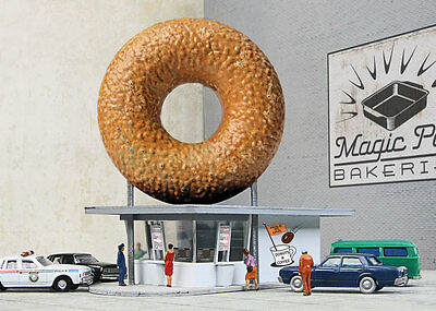 3835 Walthers Cornerstone Hole-In-One Donut Shop N Scale