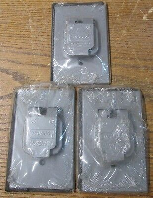 NEW NOS LOT OF 3 Red Dot S302E RCCSX Single Receptacle Cover Vertical