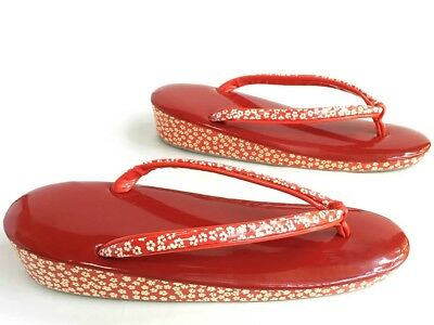 VintageJapanese Red Floral Print Zori Sandals in Excellent Condition Size 24